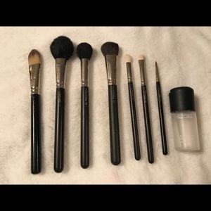 Mac Cosmetics Brush Set